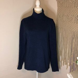 Banana republic 100% wool Turtleneck sweater